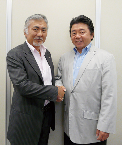 東西の両リーダーが対談