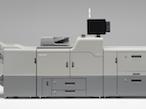 リコー、5色印刷対応と自動化・省力化を実現した新機種発売