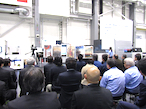 KOMORI、Impremia IS29の高いメディア対応力を実演で披露